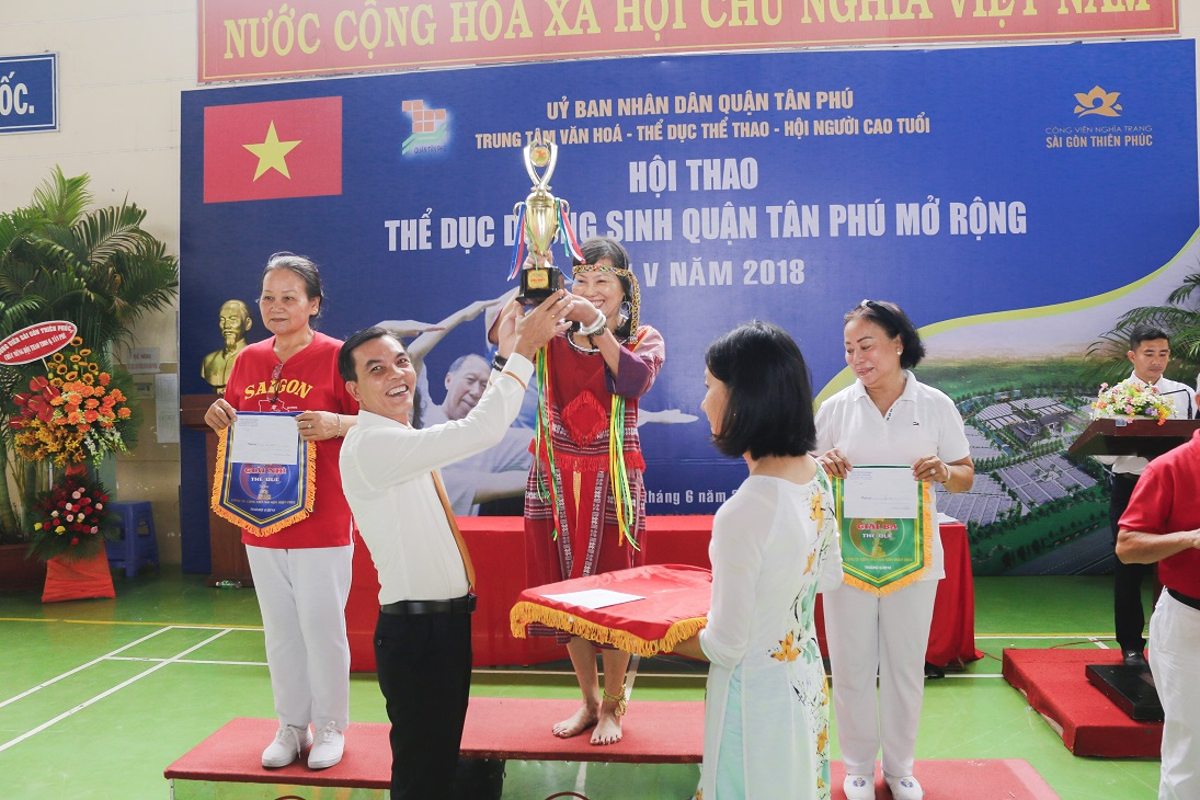 The duc duong sinh nguoi cao tuoi